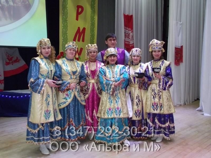 Национальные татарские костюмы.  Светлые цвета Roberto Cavalli.